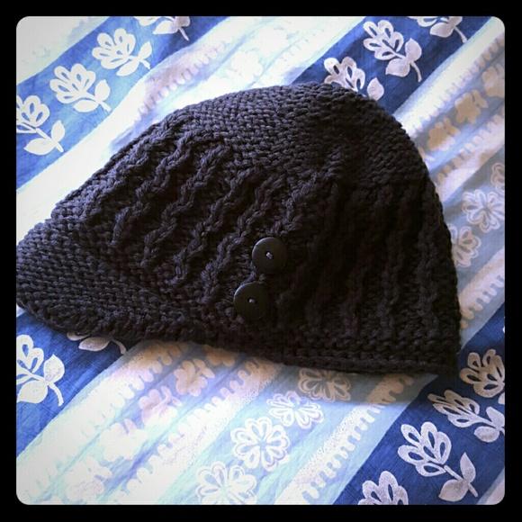 7c85a53c5 NWOT Eddie Bauer charcoal knit hat fleece lined